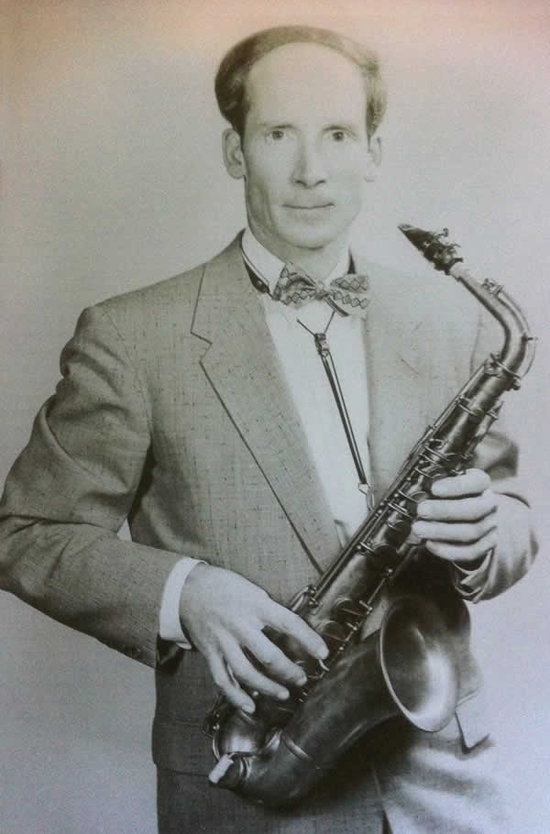 history of the sax Studio saxophone players and ensembles have also been a major influence on the history of music although they are not usually full members of a band, they can be a vital part in the overall sound of a music set.